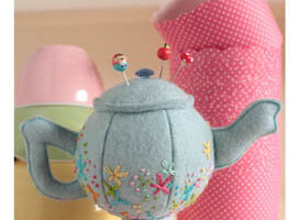 Teeny Teapots Creative Card  RR703